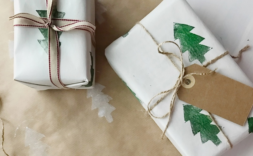 Do it yourself: christmas wrapping paper